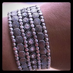 Premier Designs Stretch Snuggles Bracelet